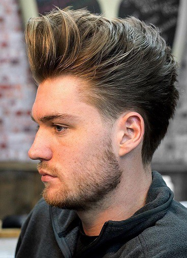Men's hair with highlights