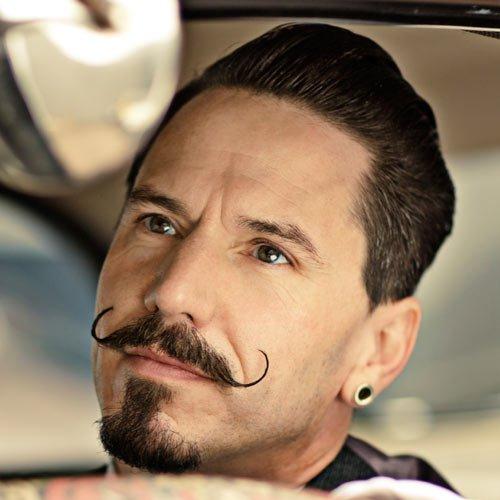 Handlebar moustache style