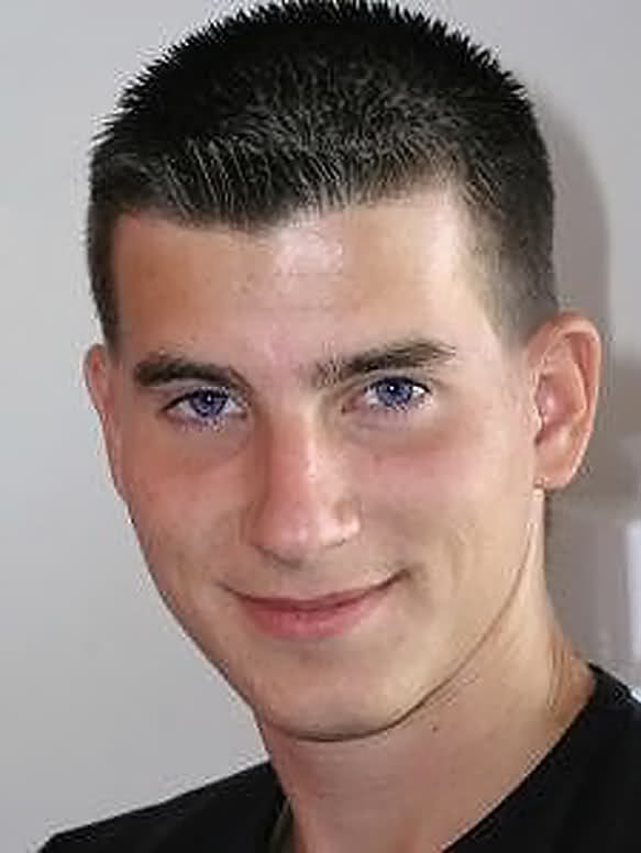 Crew Cut Hairstyles 15 Stylish Crew Cuts For Men How To Style