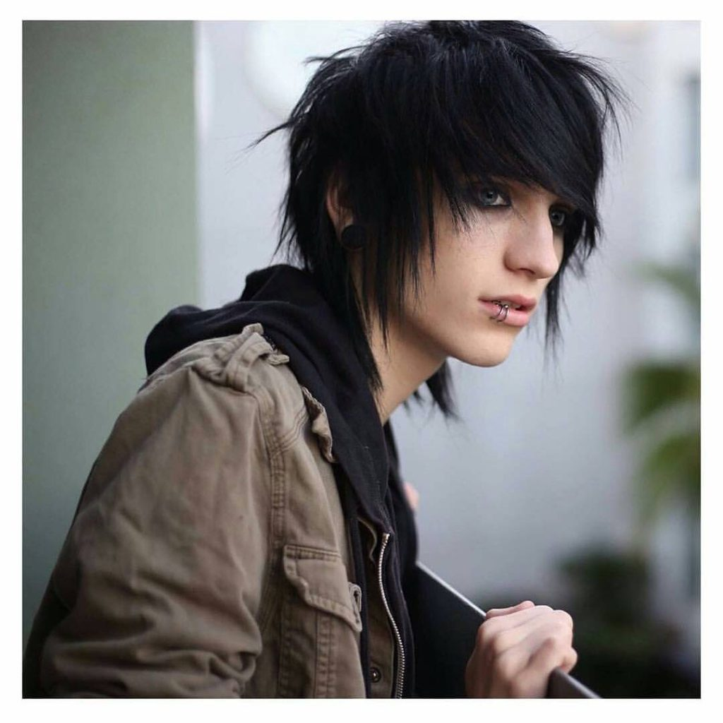 Emo Haircuts:12 Best Emo Hairstyles for Men and Boys 12 - AtoZ