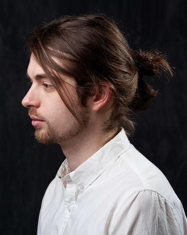 Wavy Hair Messy Ponytail