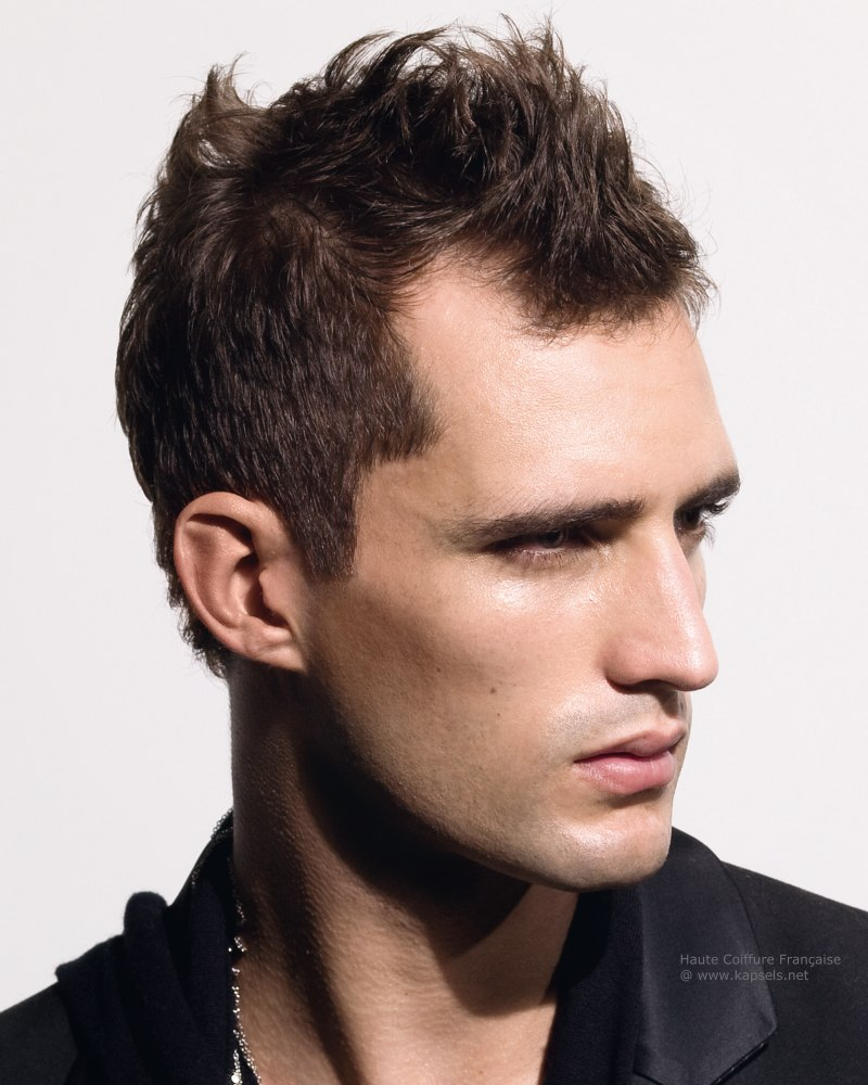 20 best men's haircuts for a big forehead and a round face - page 2