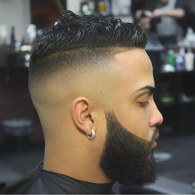 This Ultra Low Fade Haircut Style Creates A Fairly Unique Shape That We Re Not Used To Seeing Very Often Making It Perfect For Guys Who Like Tapered