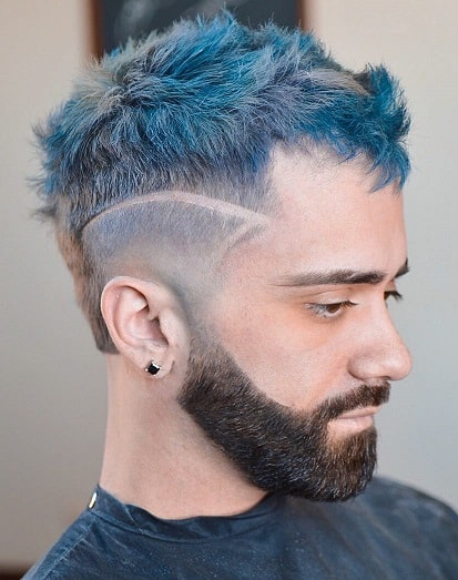Adding an element to the hairstyle with just the top