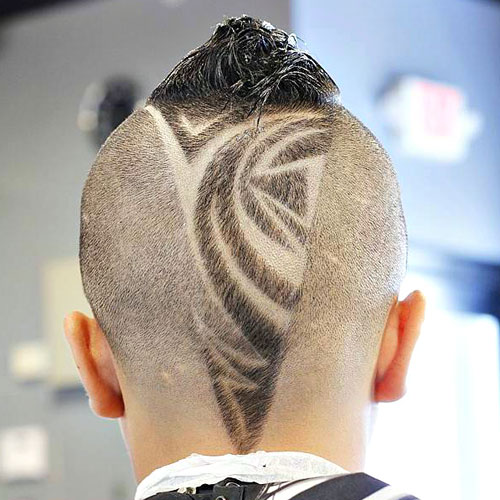 V Shape Pattern and Pyramid Hairstyle