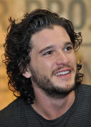 Jon snow shaggy hairstyle