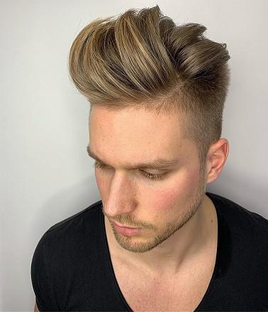 Line Up Messy Pomp Mid Razor Fade Haircut