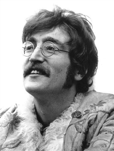 The John Lennon style