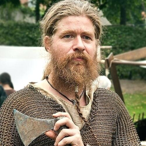 The single braid beard