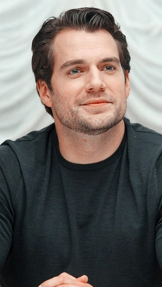 Henry Cavill Straight Casual Short Hairstyle