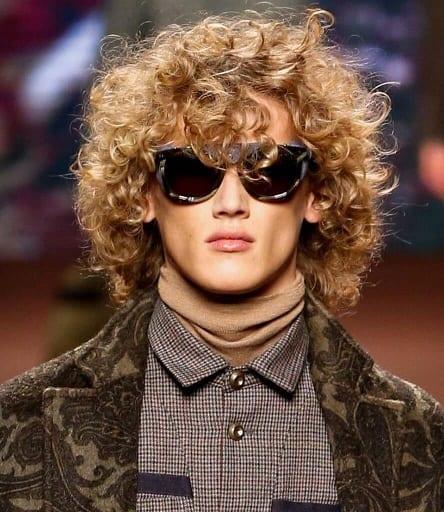 Fro- Hawk Curls Look